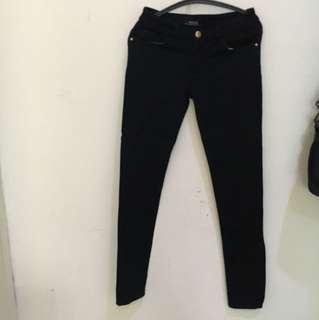 Celana wanita jeans lembut hitam