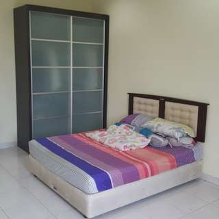 Bukit Indah double storey rooms available for rent