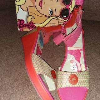 Barbie wedge size:37