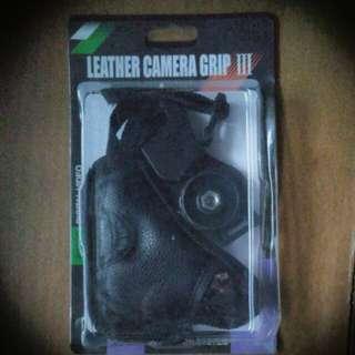 Camera handgrip