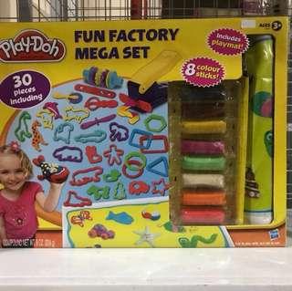 Play-doh Fun Factory Mega Set playdoh playset