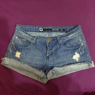 Cute denim shorts, size 8, good condition