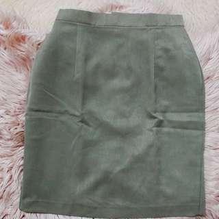 Green Highwaisted Knee-length Skirt