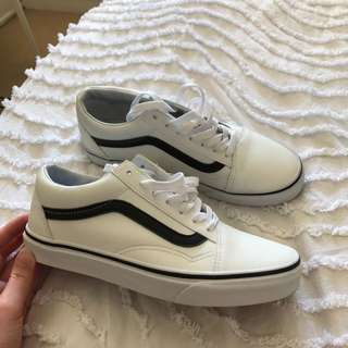 Old Skool vans - white and black