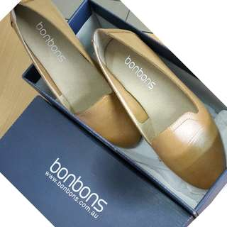 Bonbons Flat Shoes Tan Leather Size : 35