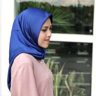 New! Hijab Segi Empat Baby Silk Electric Blue