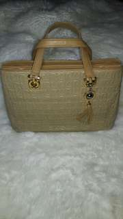 Auth Valentino Rudy quilted