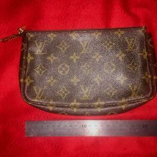 LV pouch approx. 22 cm long