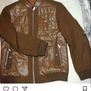 Jaket wol sintetis