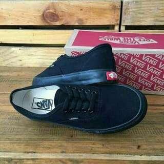 Sepatu hitam cwe/cwo