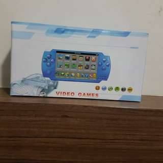 4.3 inch 4gb free 2000 games handheld game player/ video game console