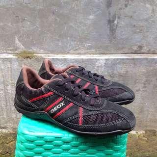 Sepatu Sneakers Geox