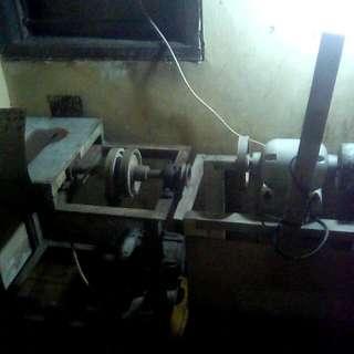Mesin pemotong dan penghalus batu cincin