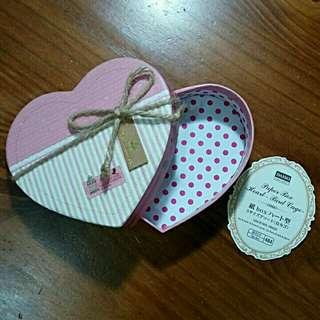 全新DAISO大創粉紅色情人節禮物盒紙盒禮品盒包裝盒精品盒收納盒