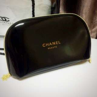 NEW CHANEL Beaute Pouch