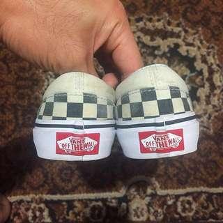🐲REPRICED🐲Vans checkerboard slip-ons(size11)kids