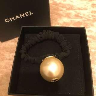 Chanel珍珠髮圈