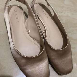 Zara香檳金平底鞋