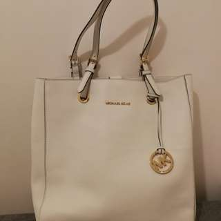 Michael Kors White Handbag 100% real 95 % new