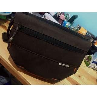 Shoulder Bag 15 Vanguard