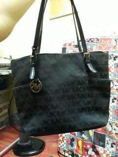 Preloved authentic mk bag