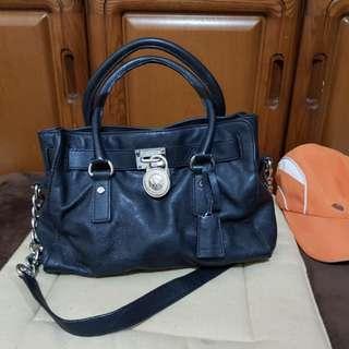 AUTHENTIC MK CHAIN SLUNG BAG