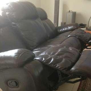 Dijual Sofa Renzo (Recliner) mulus