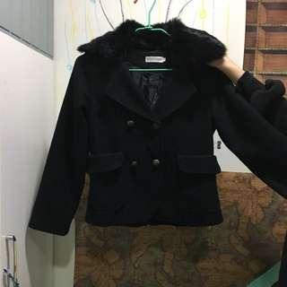 黑色厚外套