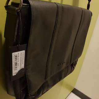 Ted baker cross grain messenger black(fixed price)