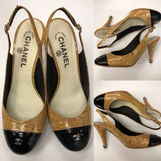 Chanel two tones high heel size 37.5