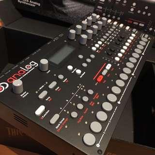 Elektron - Analog Four Synthesizer