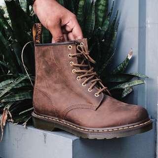 Jual Sepatu boots Dr.Martens Aztech crazy shoes
