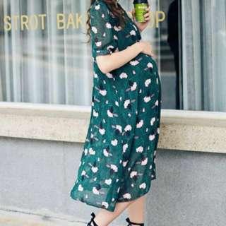 Green flowery dress (plus size / maternity)