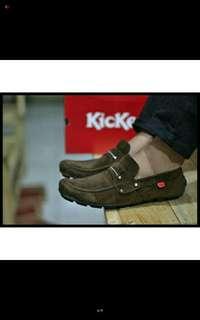 sepatu kickers size 39-43