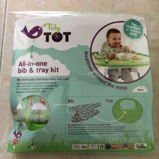 Tidy tot bib and tray set