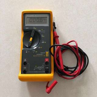 Fluke 76 True RMS Multimeter