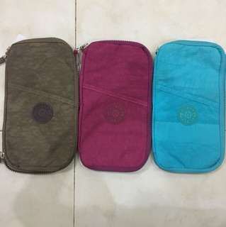KIPLING PASSPORT HOLDER