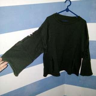 Sweater ripped, warna hijau army