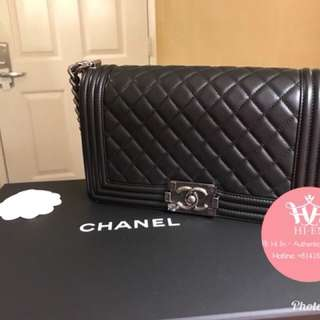 CHANEL LE BOY OLD MEDIUM LAMB IN BLACK