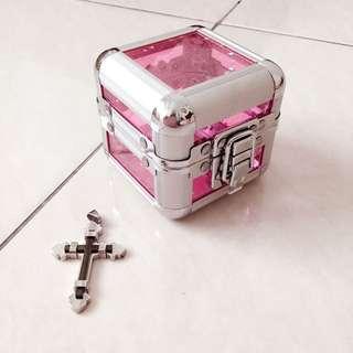 Jewelry Box (bonus pendant)