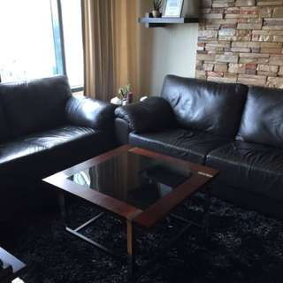 Comfy Living Room Set *NEGOTIABLE*
