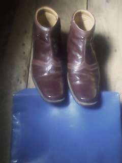 Sepatu Kulit Buatan Cibaduyut