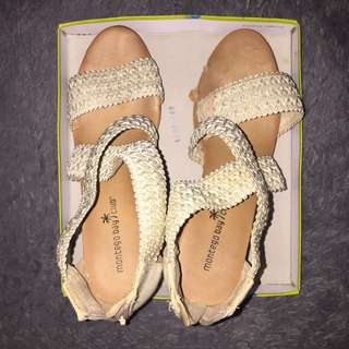 REPRICE Wedges Payless