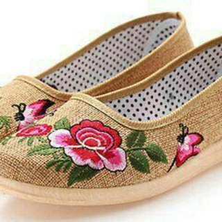 Embroidery lady flat shoes