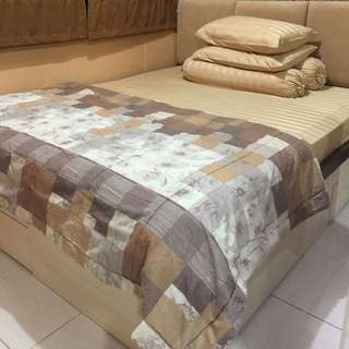 Dipan Tempat Tidur Laci (tanpa kasur)