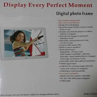 全新 DISPLAY EVERY PERFECT MOMENT