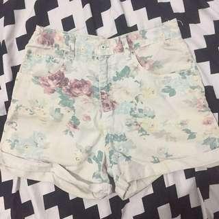 Hotpants bunga