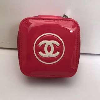 搬屋蝕本價❤️Chanel 漆皮紅色化妝品小盒