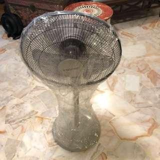 Soundtech Standing Fan