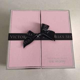 Victoria's Secret Eau So Sexy gift box (brand new)
